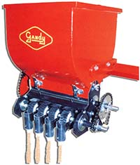 Gandy material applicator